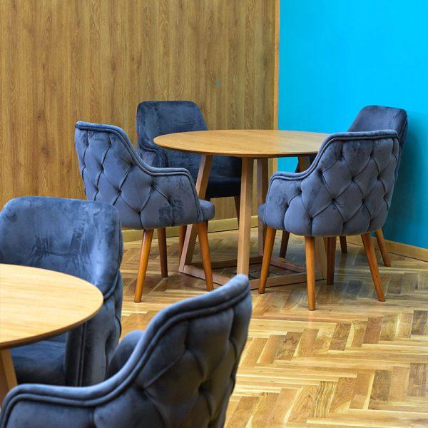 میز صندلی اتاق خلاقیت